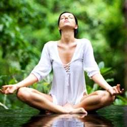 Практиковать йогу